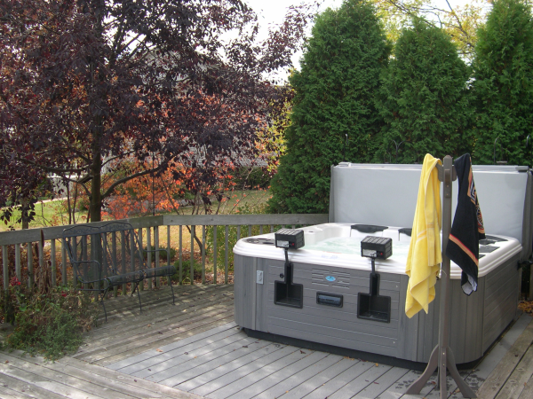 Hot Tubs For Sale Milwaukee Bullfrog Spas Wi Swimming
